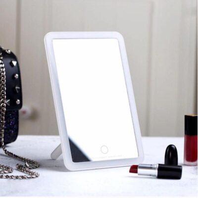 Pasqyre Grimi Portative Remax me drite LED